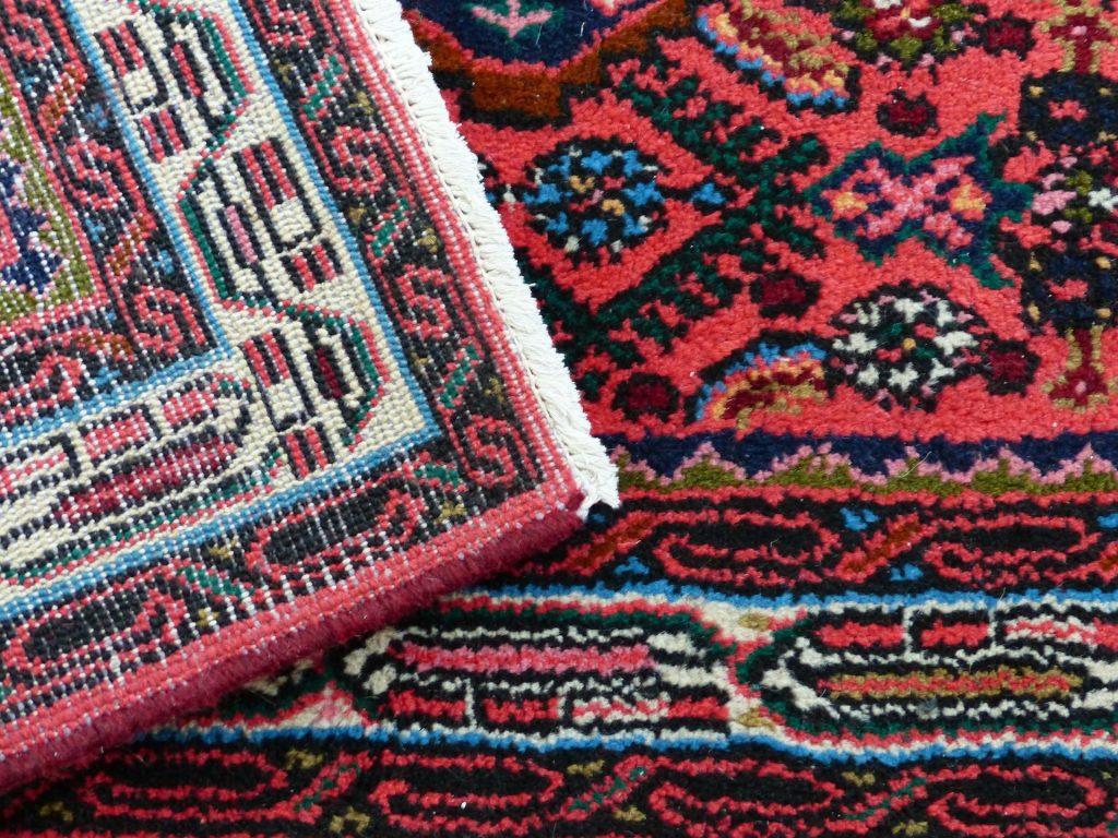 Dlaczego Rosjanie wieszają dywany na ścianach