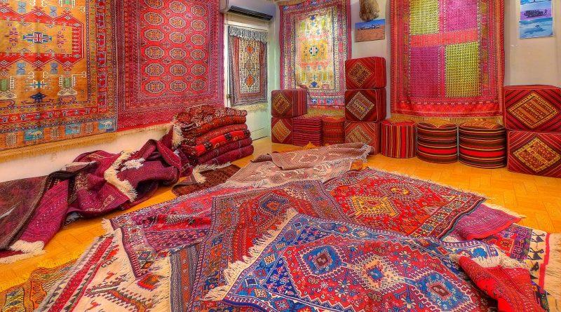 Dlaczego Rosjanie wieszają dywany na ścianach?
